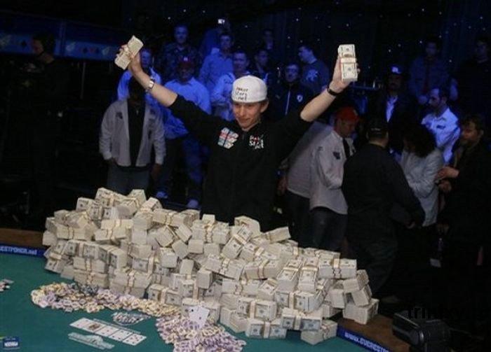 заработать на игре в покер WSOP
